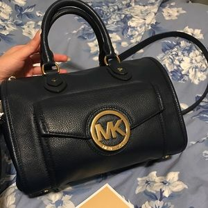 LIKE NEW Navy Michael Kors Top Handle Bag